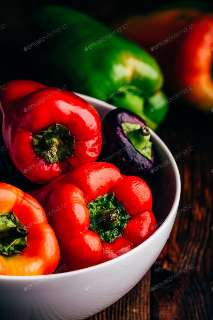Fresh bell peppers in bowl