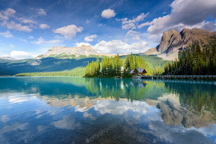 Schöner smaragdgrüner See, Yoho Nationalpark, British Columbia, Kanada