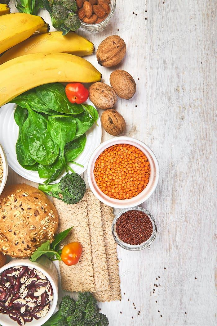 Set mit hoher Ballaststoff-Gesundheits-Lebensmittel-Produktkonzept