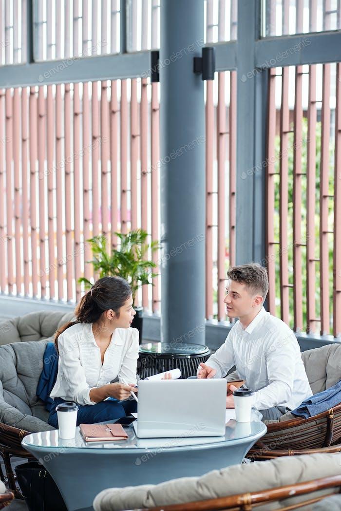 Eentrepreneurs discussing ways of cooperation
