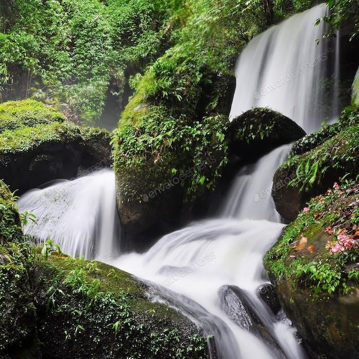 Romklao-Paradorn Waterfall