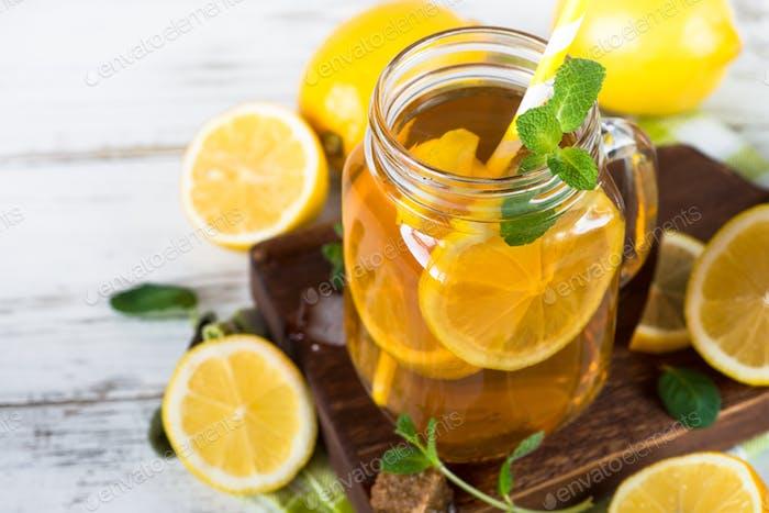 Iced tea with lemon.