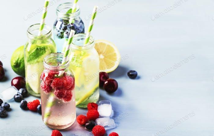 Beere, Obst und Zitrusfrüchte alkoholfreie erfrischende eiskalte Getränke