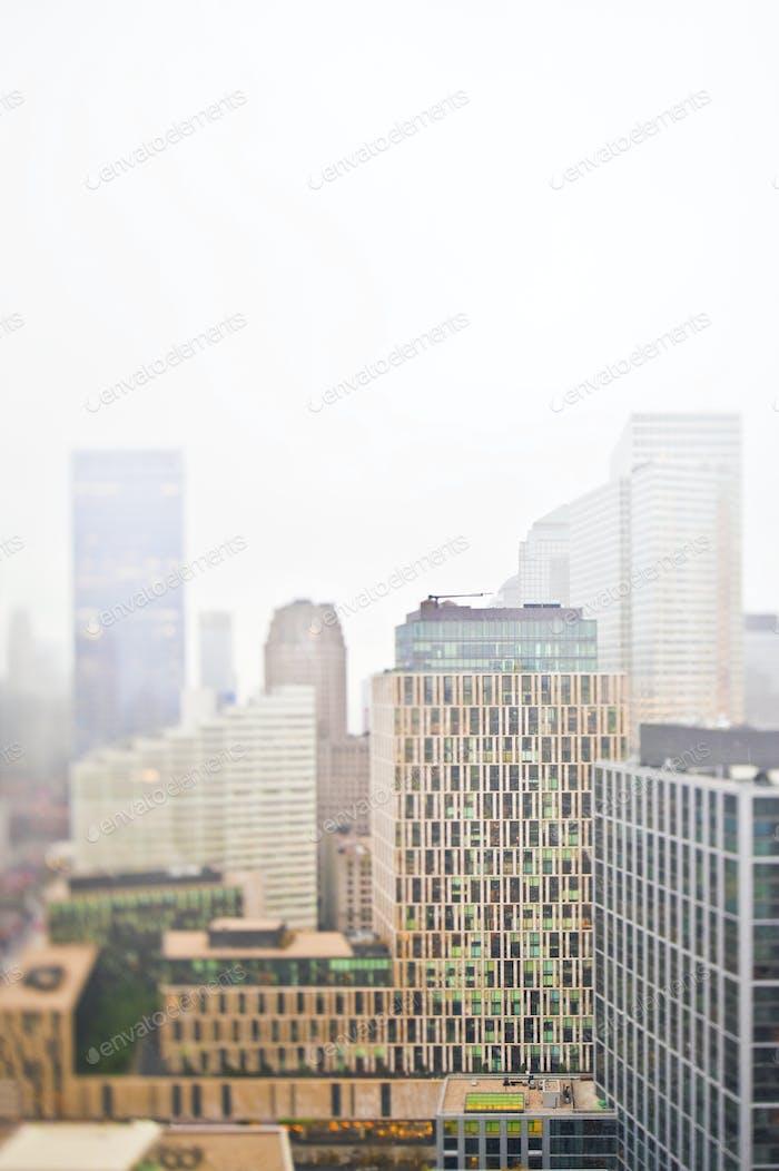 Nebeliges Stadtbild