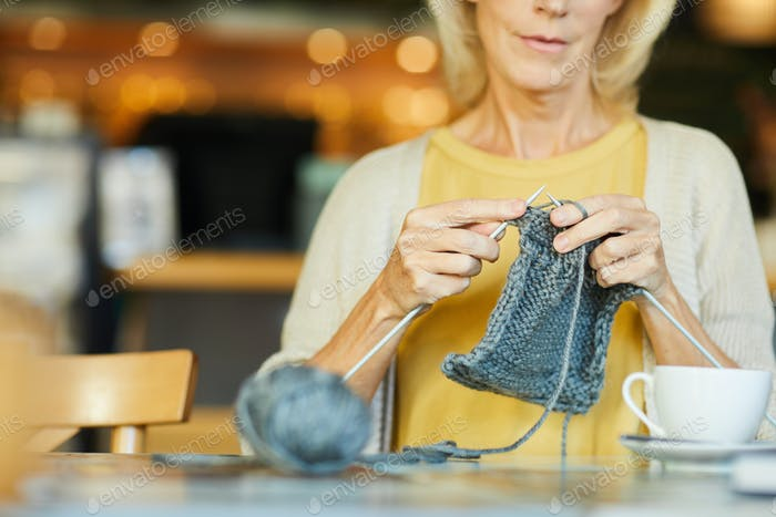 Knitting item
