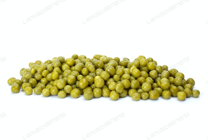 Small pile of conserved green peas