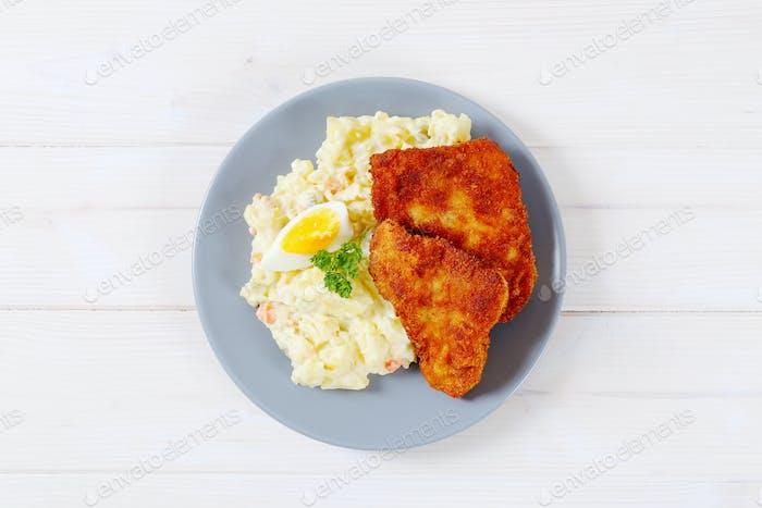 Schnitzels mit Kartoffelsalat