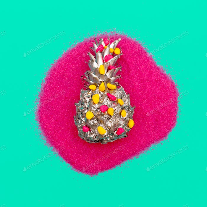 Silver Pineapple in Sequins Minimal art