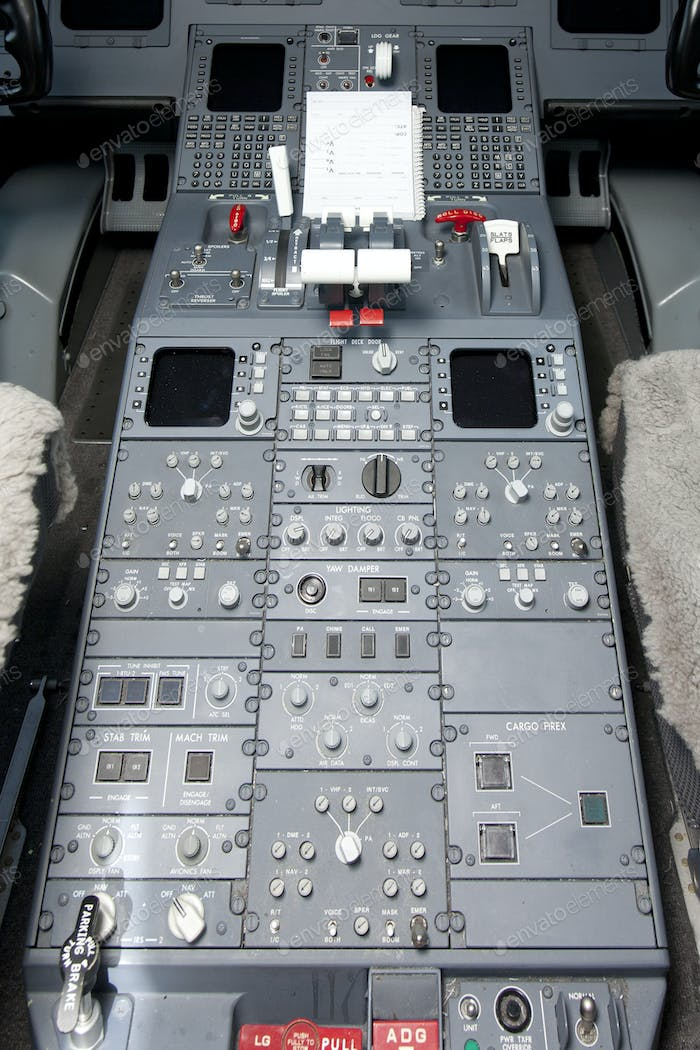 52413,Flight Controls in an Airplane