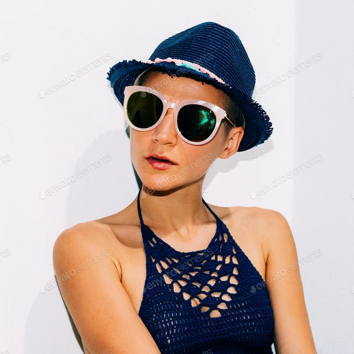 My Havana. Stylish beach Outfit Hipster Model Straw Hat Knitting