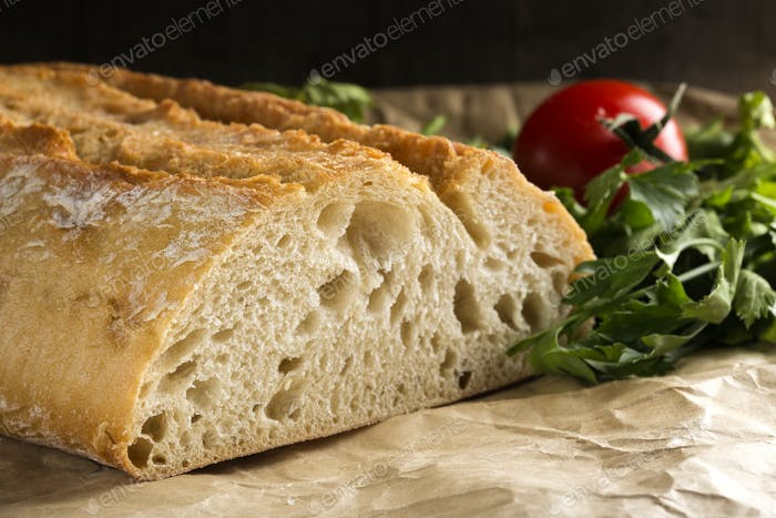 bread with parsley and tomato