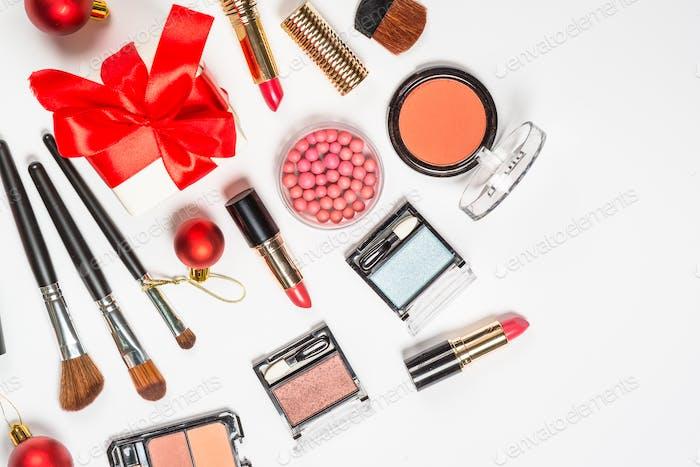 Maquillaje cosméticos profesionales en blanco