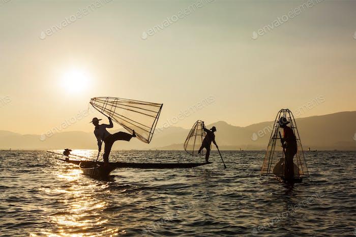 Birmanischer Fischer am Inle-See, Myanmar
