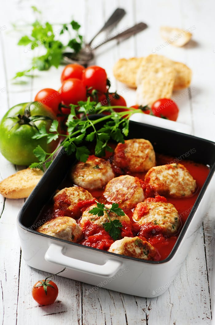 Meat balls with tomato sause