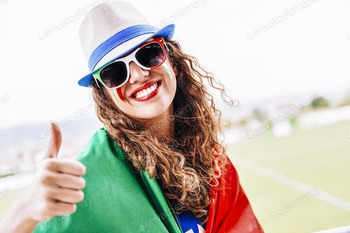 Apodadora femenina de italia en el estadio