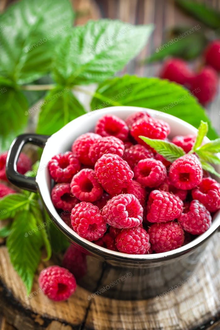 Fresh raspberry with leaves