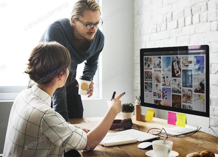 Compartir Comunicación Trabajo en equipo Casual Café Concepto