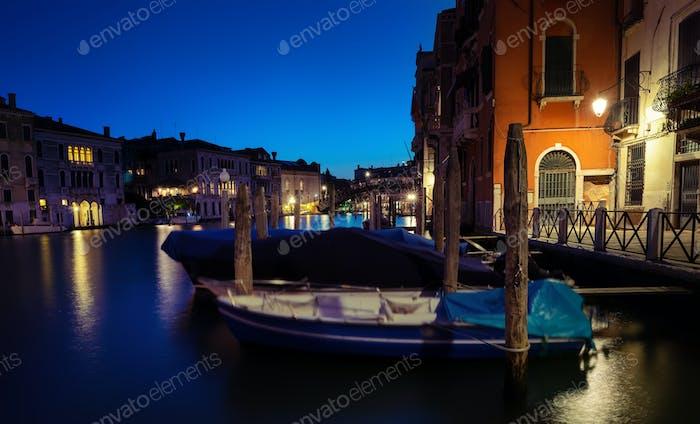 Nachts auf dem Canal Grande