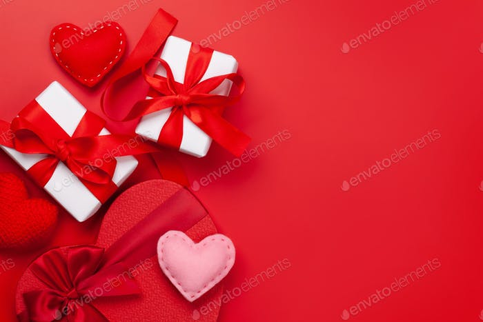 Valentines day gift boxes and hearts