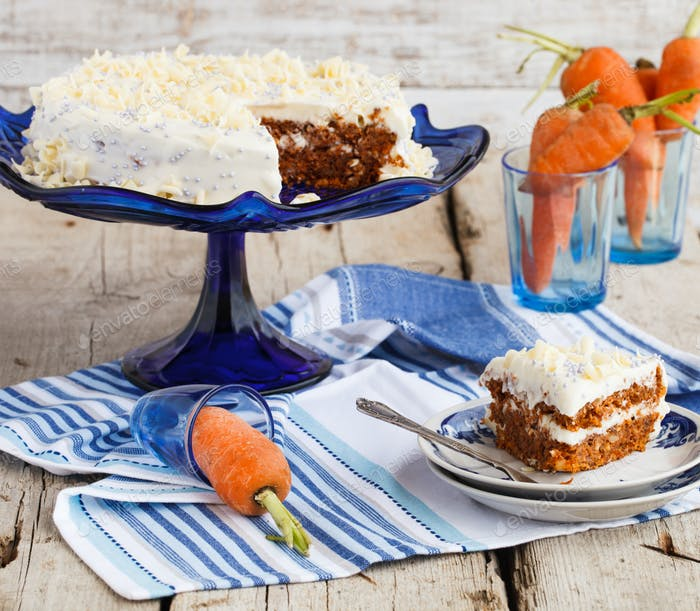 Carrot cake with butter cream