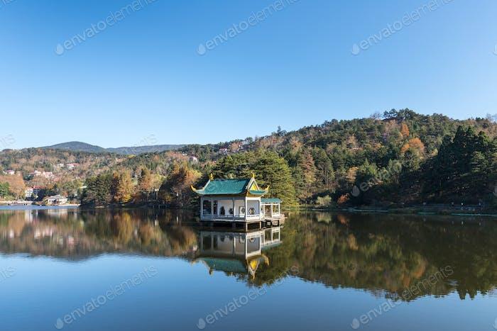 schöne Mount Lu Herbstlandschaft