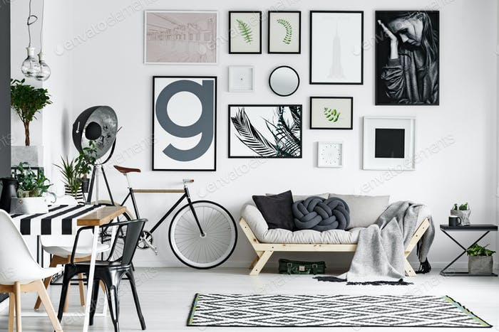 Lounge in black and white