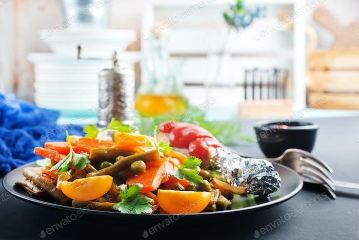 vegetables with chicken leg