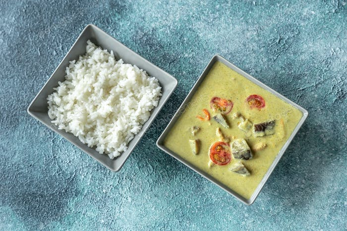 Thai green chicken curry with white rice