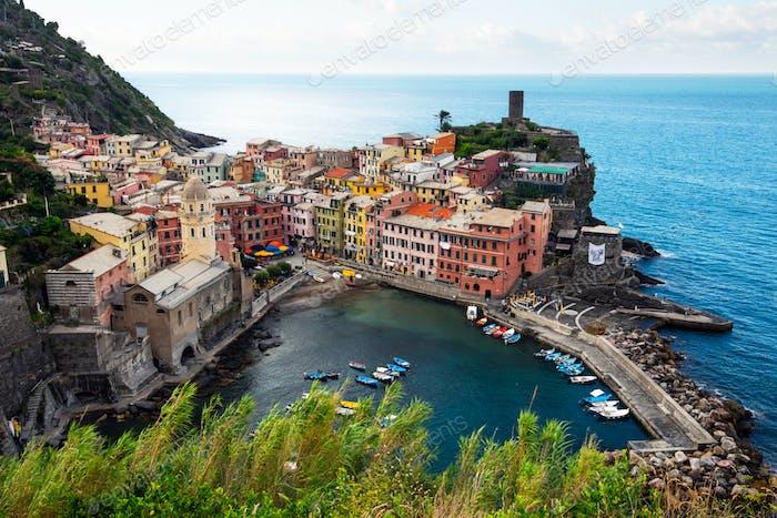 Sommeransicht von Vernazza Dorf