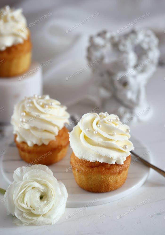Cupcake with Vanilla Cream