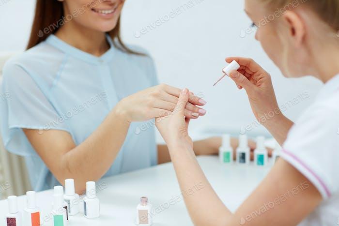 Polieren Fingernägel