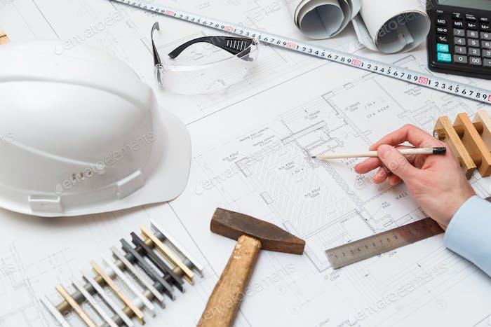 Architekt bei der Arbeit