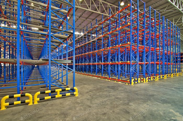 Distribution center warehouse storage shelving system