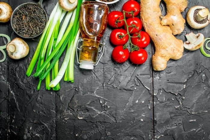 Bio-Lebensmittel Verschiedenes Gemüse mit Wildreis.