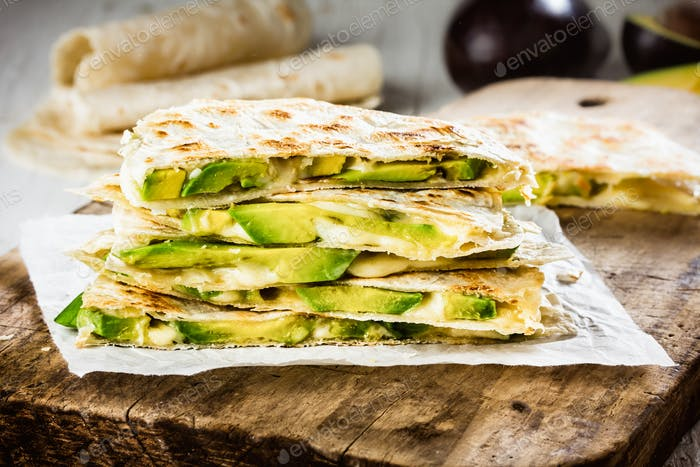 Mexikanische Avocado Quesadilla