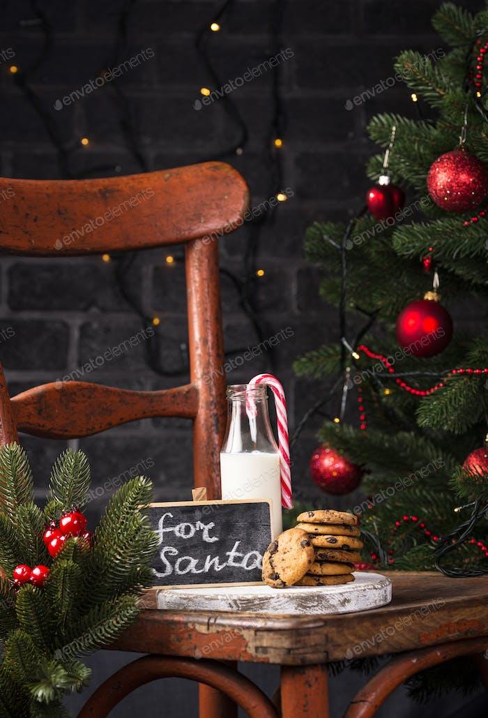 Kekse für Weihnachtsmann und Milch
