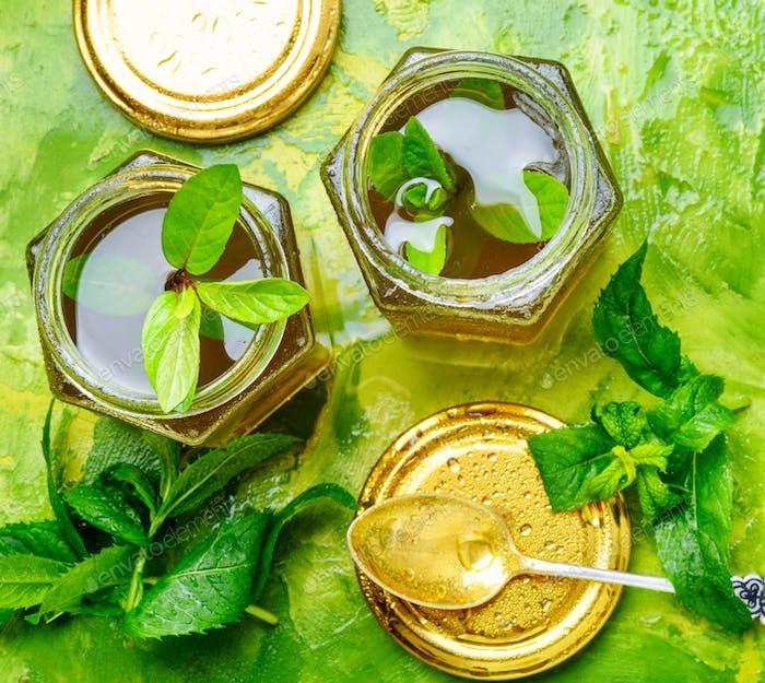Jam from fresh spearmint