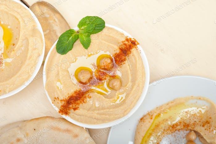 Hummus mit Fladenbrot