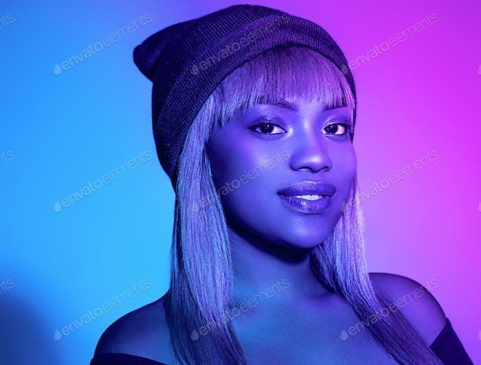 Neon Farbe Frau Afro blau Farbe Stil