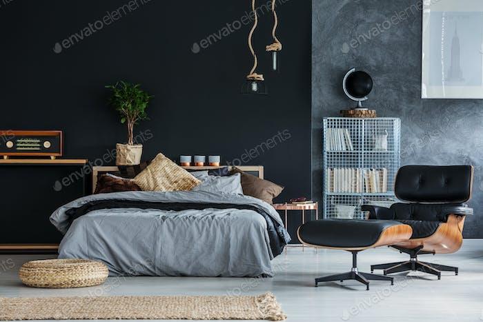 Wicker accessories in bedroom