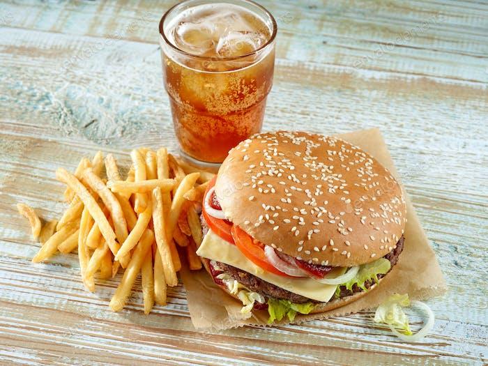frische leckere Burger und Cola