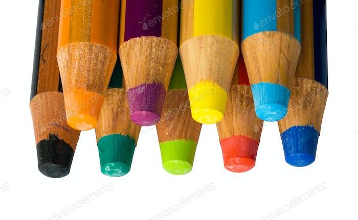 Crayones de colores aislados