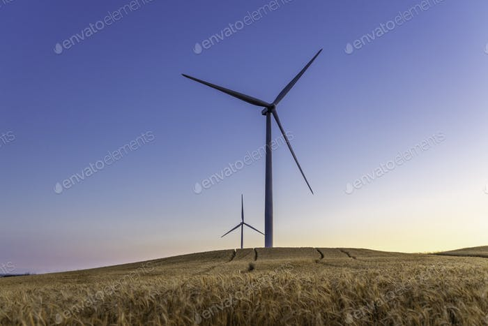 Eine Windkraftanlage. Elektrizität Windgenerator