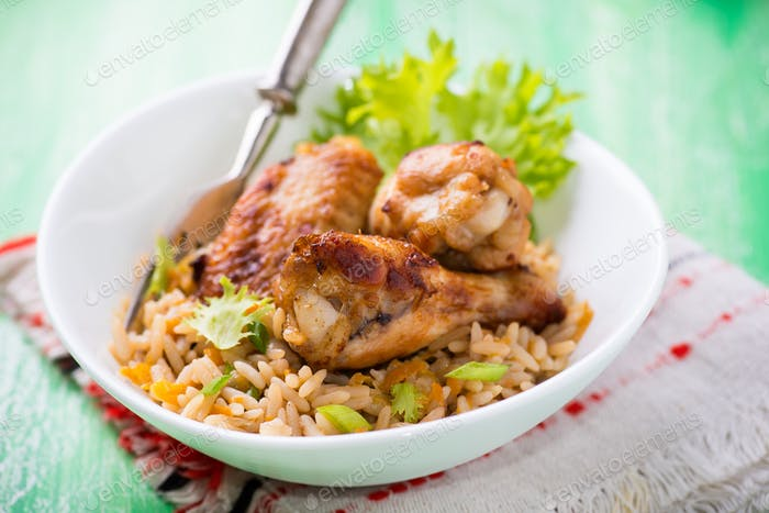 Baked chicken wings with rice