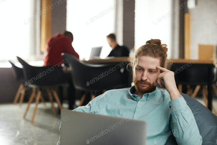 IT Specialist Working in Bean bag