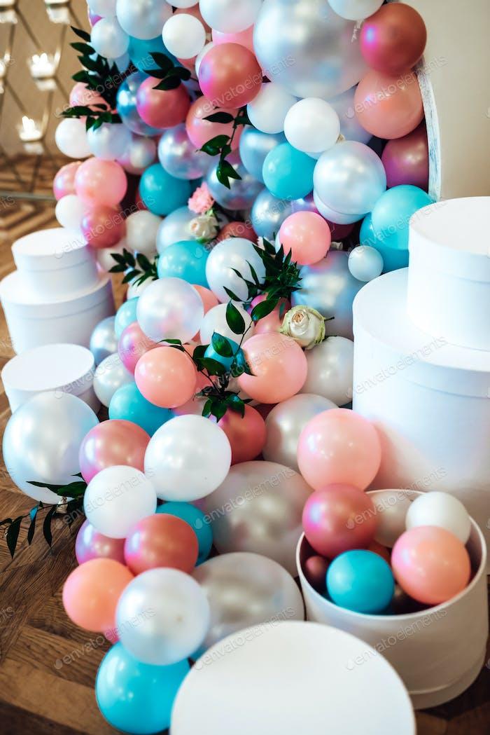 Hochzeitsdekoration mit großen Perlen
