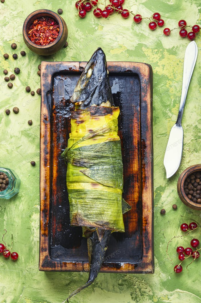 Fish baked in leek