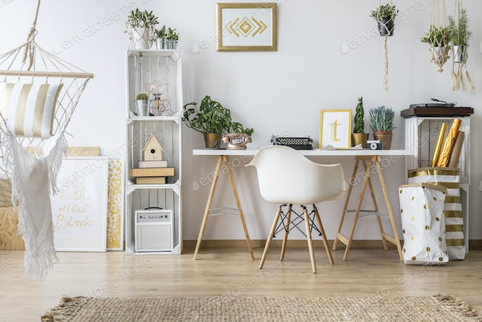 Flat with desk and chair