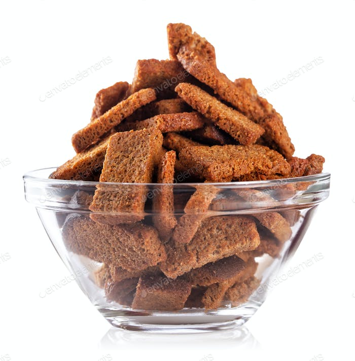 Rye crackers snacks in transparent plate