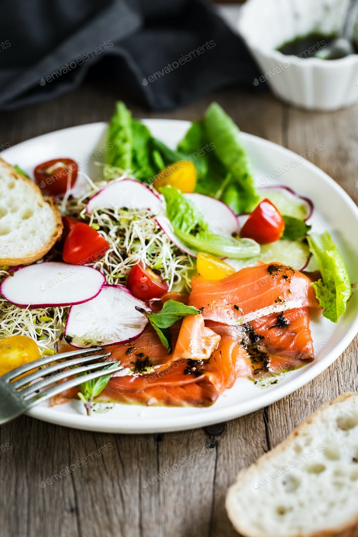 Smoked Salmon,Alfalfa Sprouts and Cherry Tomatoes Salad